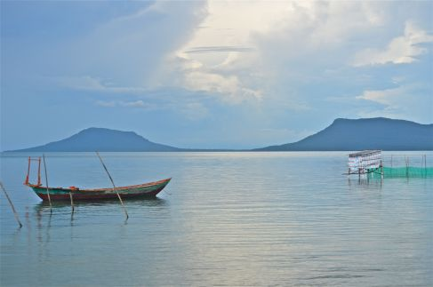 A tranquil sea,Cambodia in the distance ...