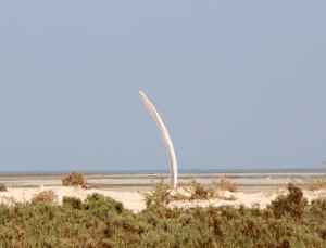 Whalebone art on the coast ...
