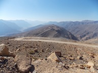 The road down from the summit to Rawdah...