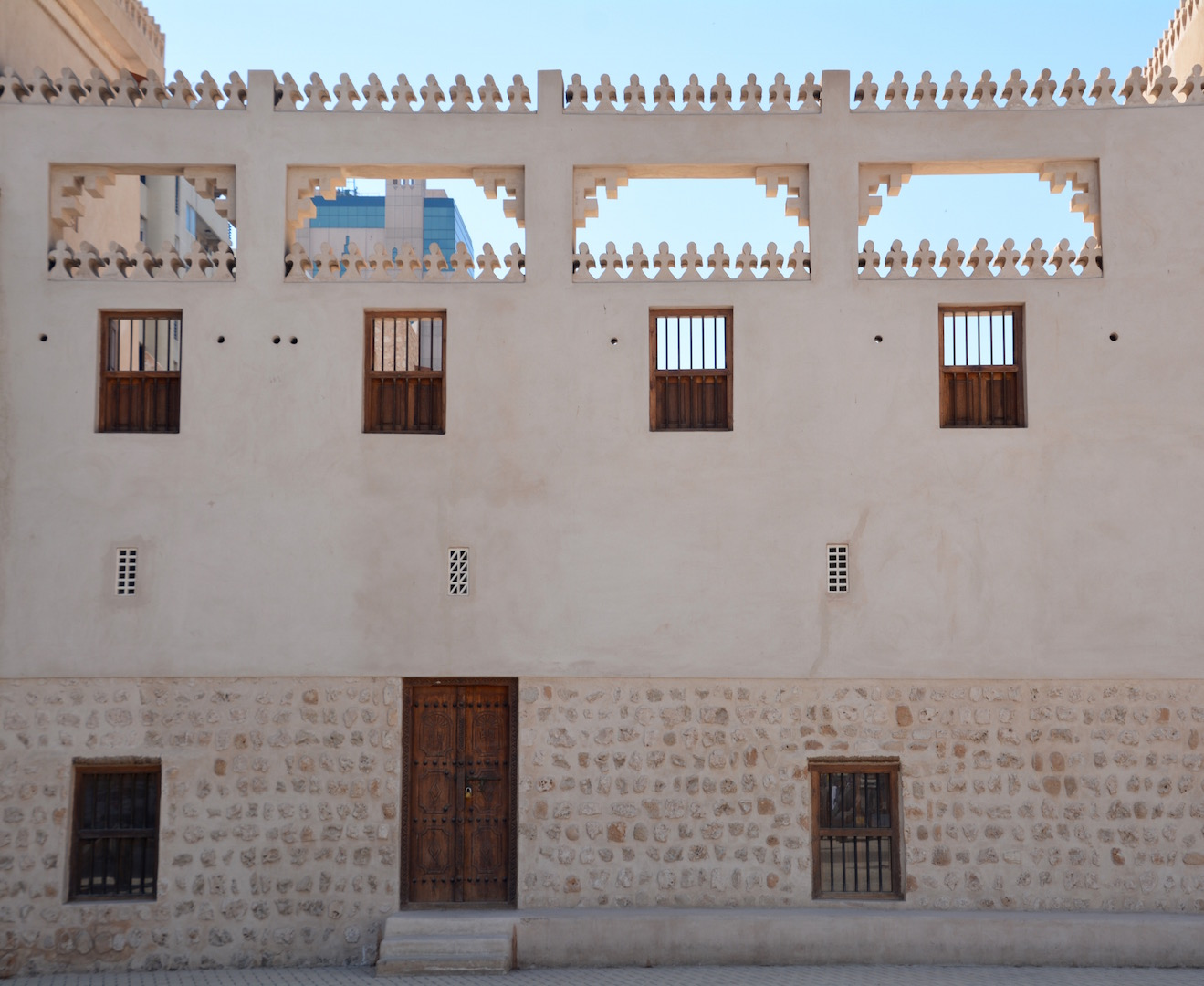 The fort frontage. & Thursday Doors 28/4/16:Al Hisn Fort Sharjahu2026. | Travels in the ... pezcame.com