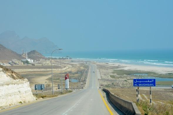 Dropping down to Mughsayl beach...
